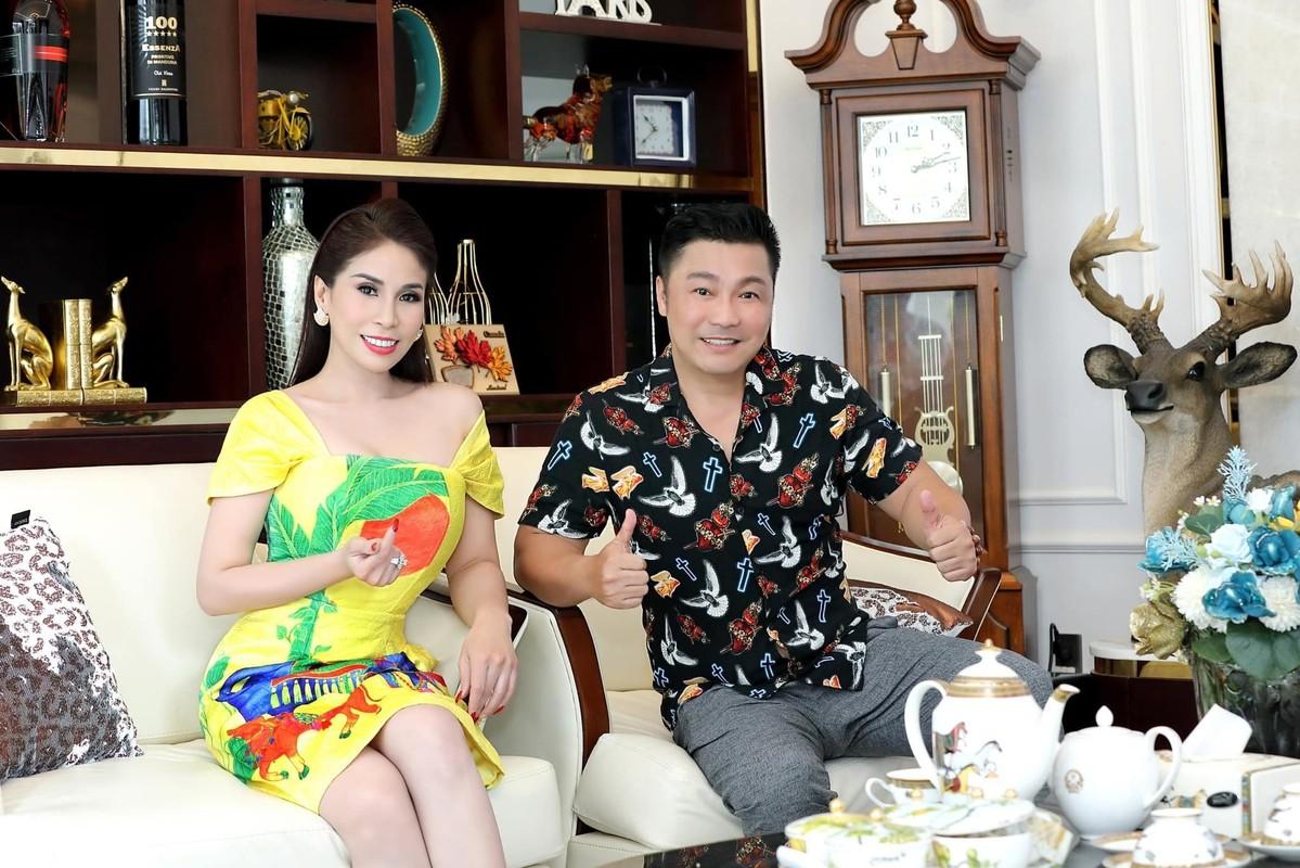 Ly Hung ben Ly Huong nhung ngay Sai Gon gian cach