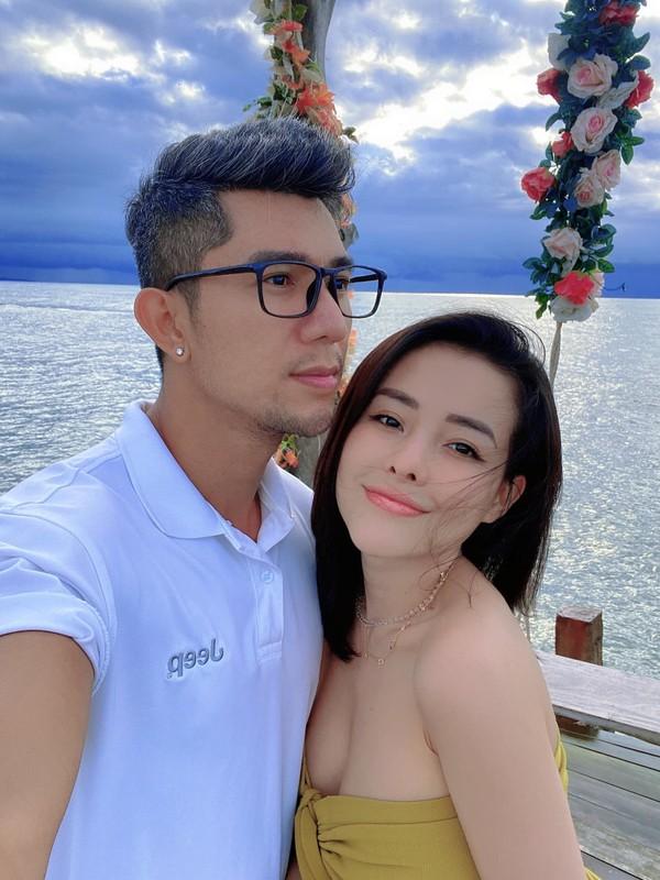 Viet Huong nhan chong: Cho em dua them 15 nam nua nhe!-Hinh-10