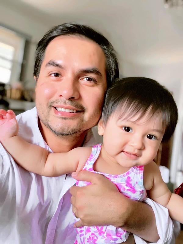 Viet Huong nhan chong: Cho em dua them 15 nam nua nhe!-Hinh-7