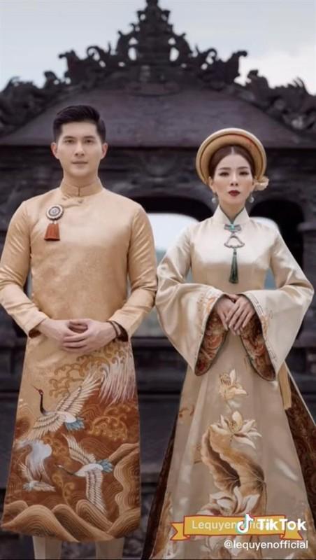Bo anh Le Quyen - Lam Bao Chau bi nhan xet nhu 2 me con-Hinh-3
