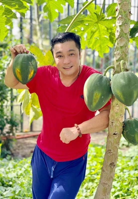 Ly Hung phong do, vui voi cuoc song doc than o tuoi 52-Hinh-2