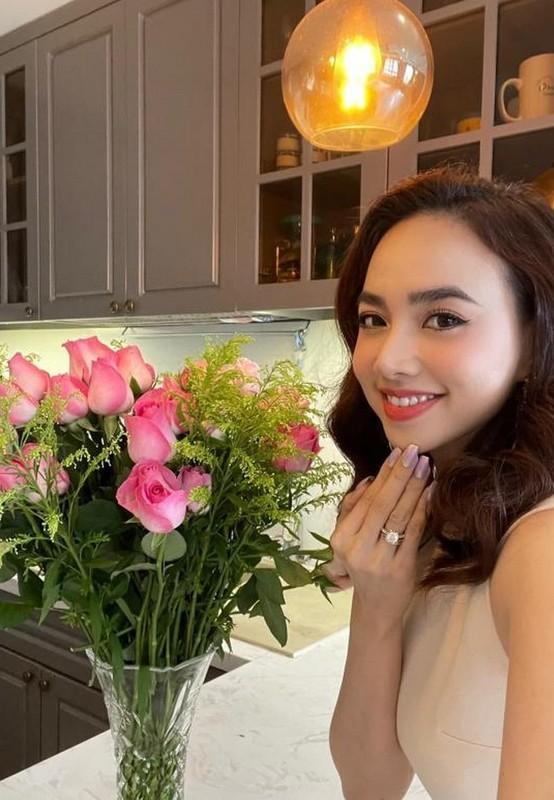 Ly Hung phong do, vui voi cuoc song doc than o tuoi 52-Hinh-7