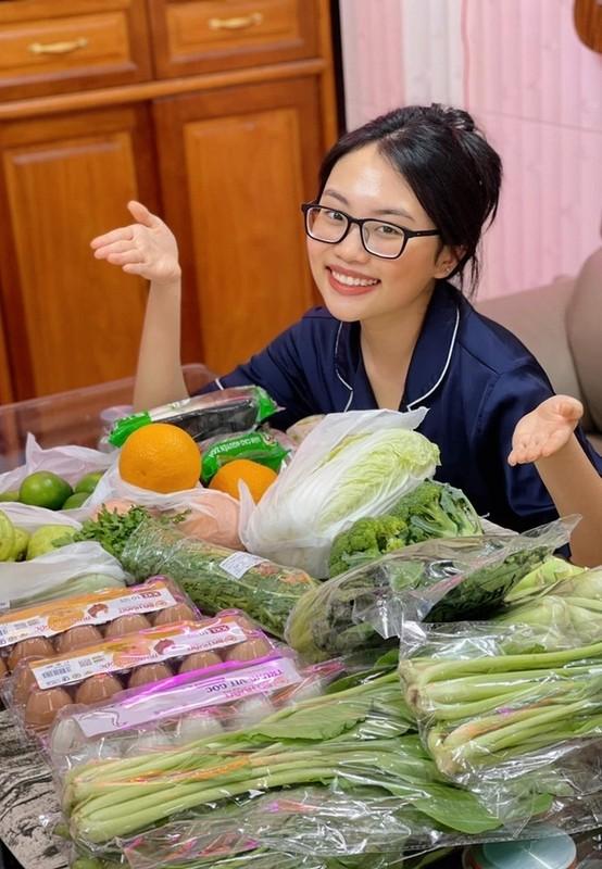 Ly Hung phong do, vui voi cuoc song doc than o tuoi 52-Hinh-9