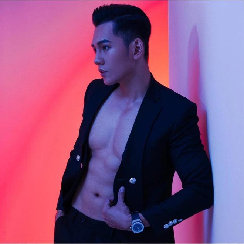 "Chong kem 3 tuoi cua Phuong Trinh Jolie so huu body ""mlem""-Hinh-6"