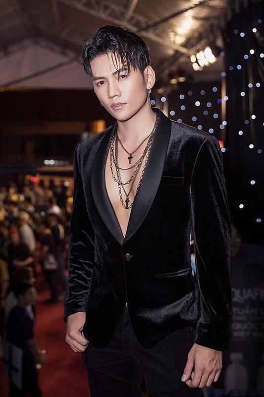 "Chong kem 3 tuoi cua Phuong Trinh Jolie so huu body ""mlem""-Hinh-7"