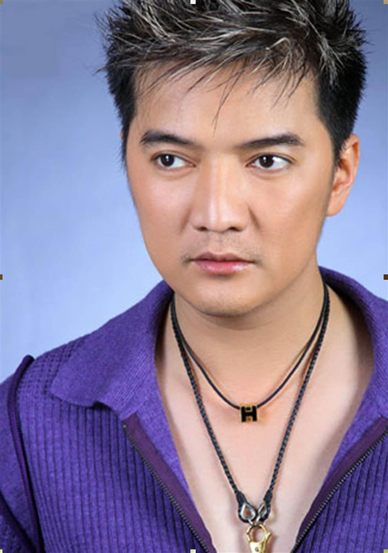Dam Vinh Hung sen sua trong clip thach dau voi ba Phuong Hang-Hinh-7