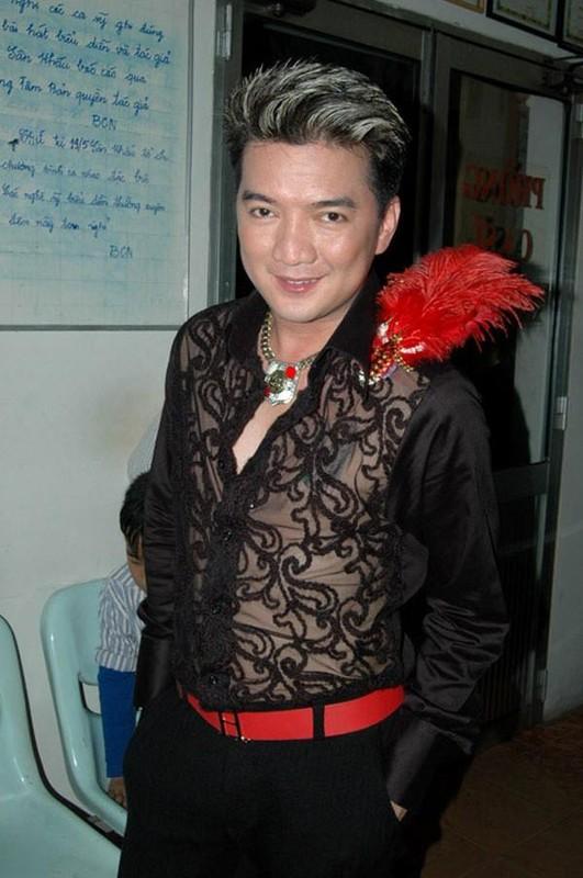 Dam Vinh Hung sen sua trong clip thach dau voi ba Phuong Hang-Hinh-8