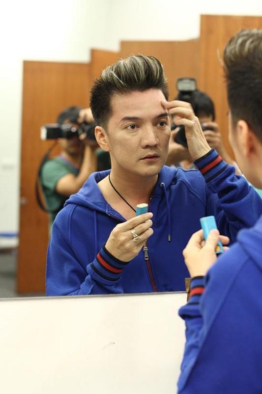 Dam Vinh Hung sen sua trong clip thach dau voi ba Phuong Hang-Hinh-9