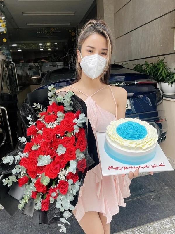 Diep Lam Anh chuong do mau hong khoe vong 1 goi cam-Hinh-4