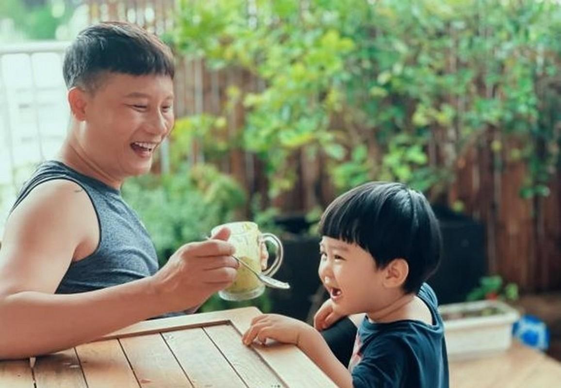 Chong doanh nhan kin tieng, yeu chieu vo cua MC Van Hugo-Hinh-10