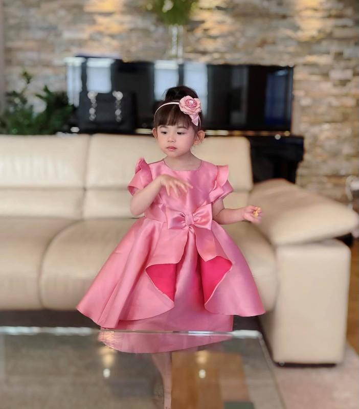 Cuoc song vien man cua Mai Ho voi chong Viet kieu kem 4 tuoi-Hinh-5