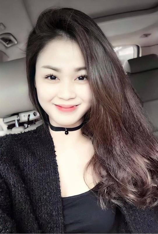"Ngam Luong Thu Trang ""Huong duong nguoc nang"" thoi mui tet rang khenh"