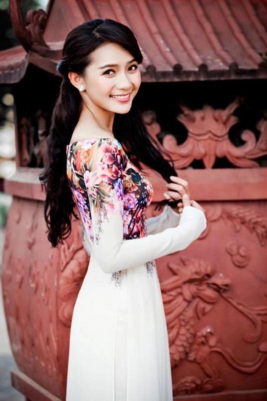 Ngo ngang nhan sac Phan Nhu Thao: Visual