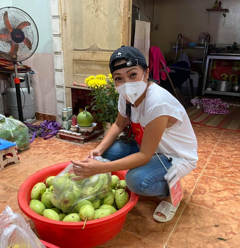 MC Mai Ngoc, Le Quyen voc dang nong bong-Hinh-11