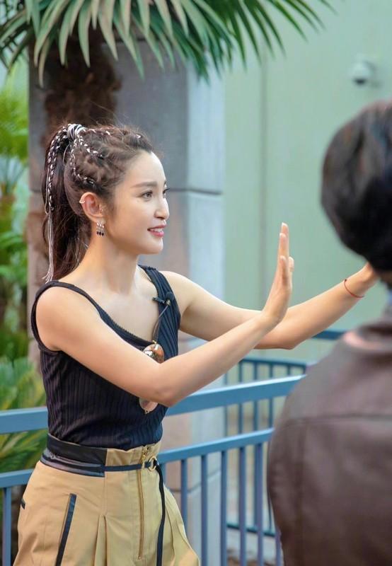 Ly Bang Bang tuoi 48 tre trung, thon tha nhu thieu nu-Hinh-3