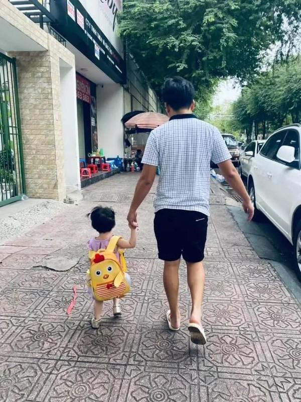 Con gai Truong Giang - Nha Phuong lo mat cute, lam viec nha thoan thoat-Hinh-6