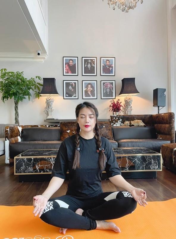 Phan Hien ninh ba xa Khanh Thi sau on ao hon nhan-Hinh-5