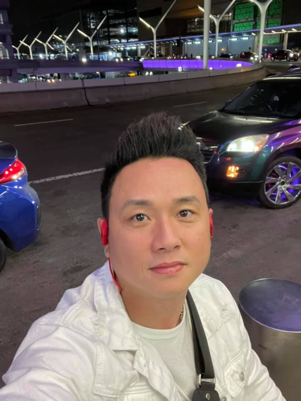 MC Mai Ngoc thoi su VTV hut mat voi dang dep, eo thon-Hinh-10