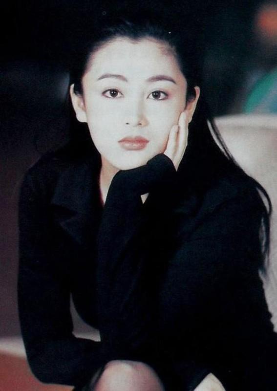 Nhan sac tuoi 52 cua Tran Hong -