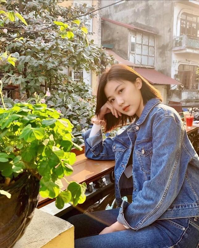 Le Quyen tao dang doc la khoe vong 3-Hinh-11
