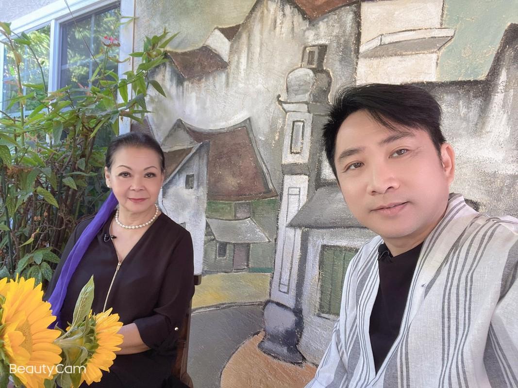 Ly Hung duoc khen tre trung phong do khi mac ao nhieu hoa tiet-Hinh-8