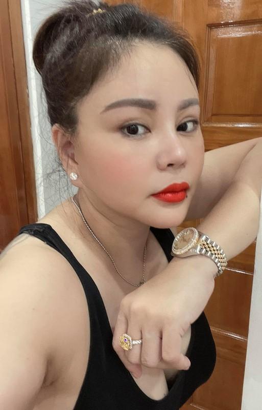Hoa hau Thu Hoai va chong kem 10 tuoi khoe anh ngot ngao-Hinh-3