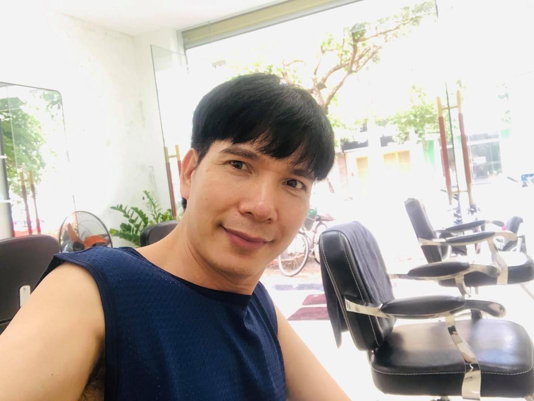 Hoa hau Thu Hoai va chong kem 10 tuoi khoe anh ngot ngao-Hinh-4