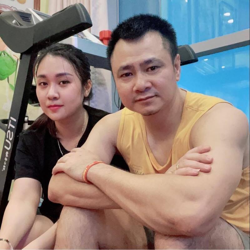 Kim Ly khoe anh gia dinh hanh phuc mung sinh nhat me vo-Hinh-9