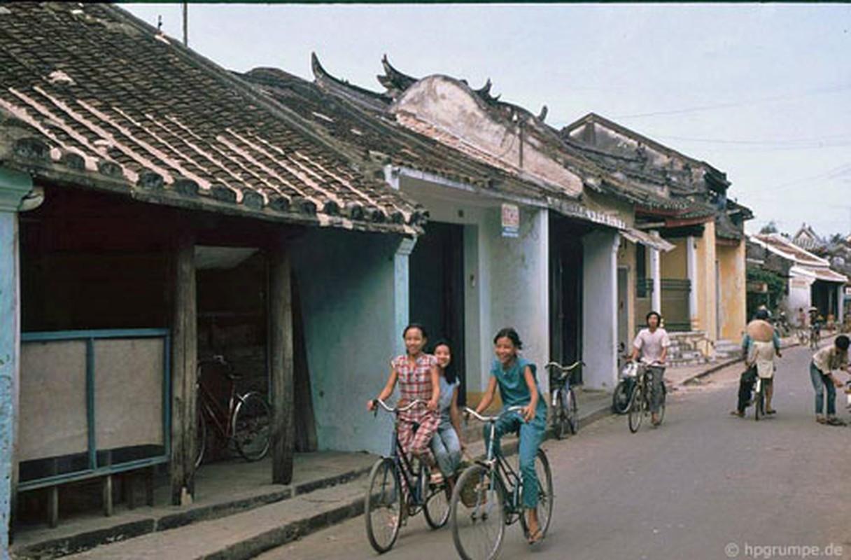Pho co Hoi An nhung nam 90 dep nguyen ban qua ong kinh nguoi Duc-Hinh-8