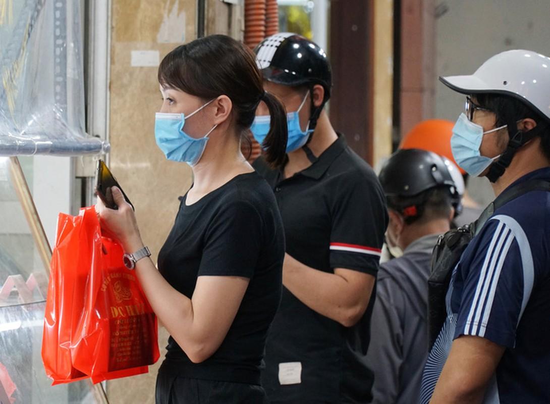 Giao thong un u tai diem ban banh trung thu tren pho Thuy Khue-Hinh-9