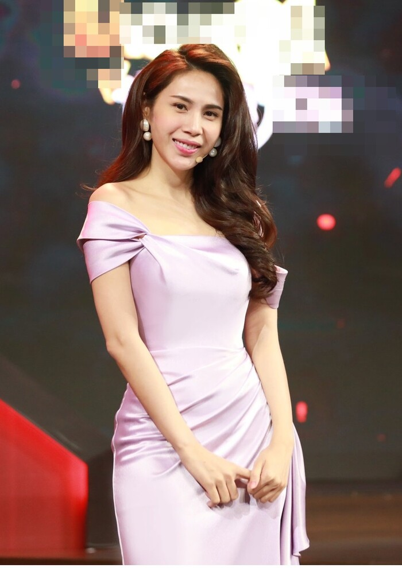 Thuy Tien dien dam lua tim dep nao long sau nhung ngay di cuu tro-Hinh-3