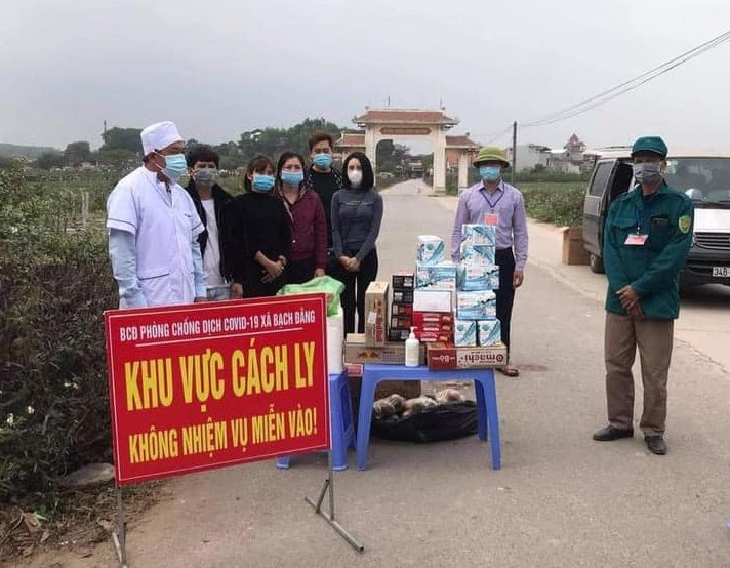 Hai Duong: 75 tre mam non mac ao mua di cach ly tap trung-Hinh-8