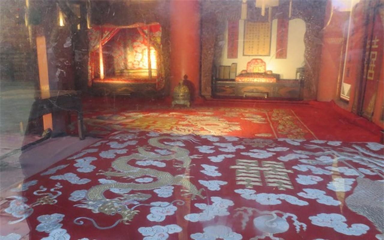 Tan muc chon phong the bi an cua Hoang de trong Tu Cam Thanh-Hinh-4