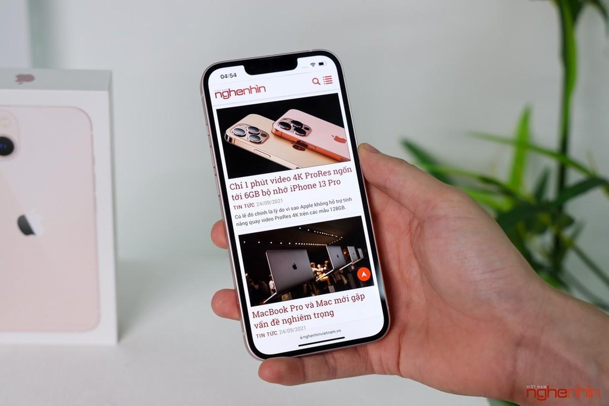 Tren tay iPhone 13 mau Hong nu tinh dang hot nhat coi mang-Hinh-2