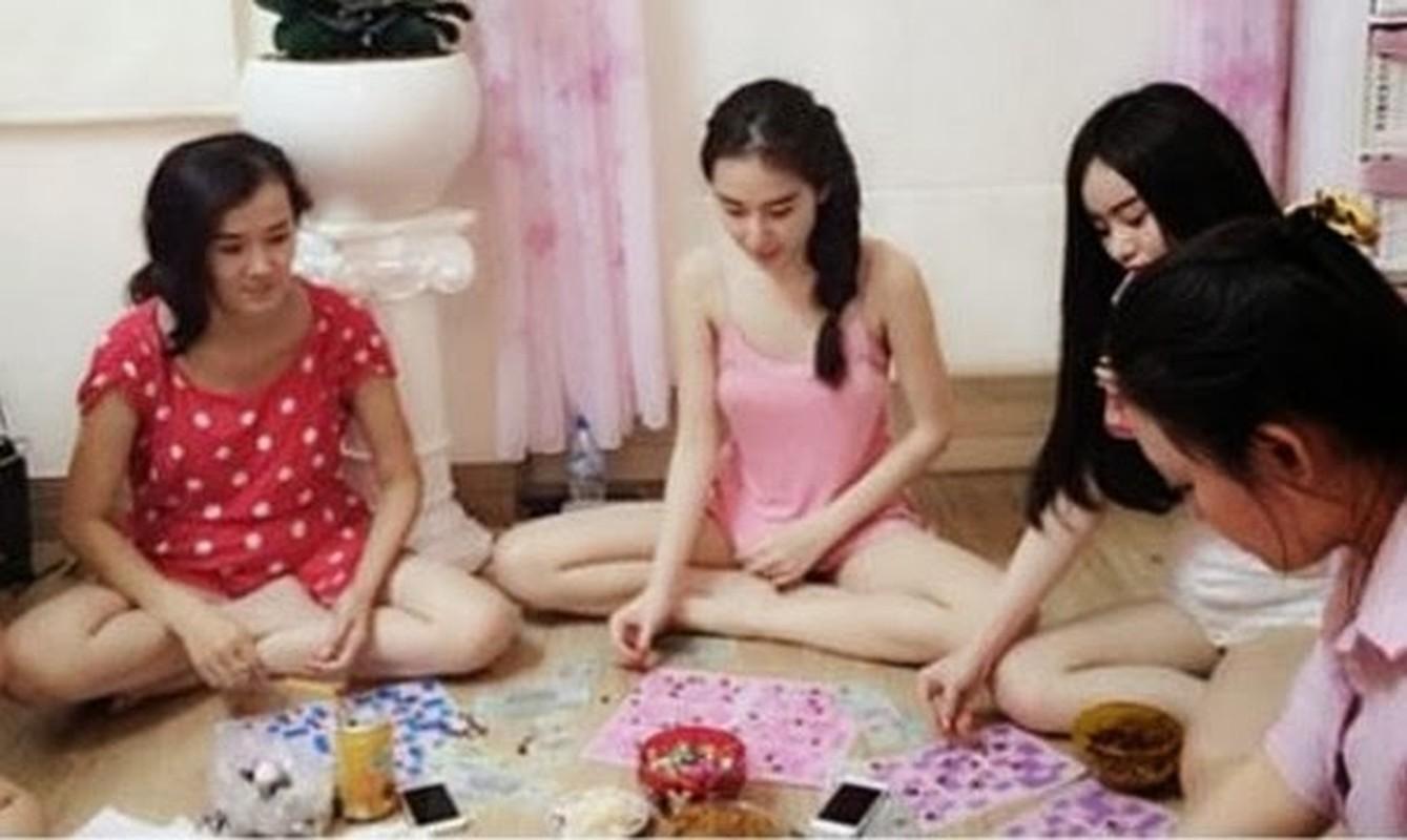 Angela Phuong Trinh hut shisha phi pheo gay soc-Hinh-4