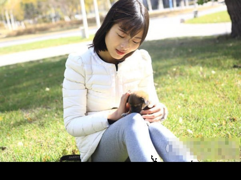 Co gai dan dien thoai xinh dep duoc phong hot girl-Hinh-7