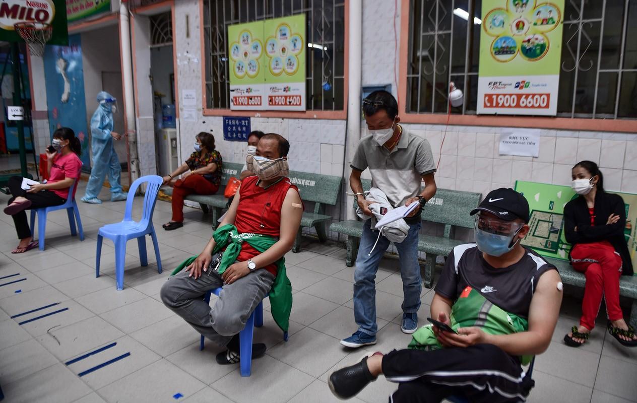Ngay dau TP HCM to chuc tiem vaccine dong loat cho shipper-Hinh-7