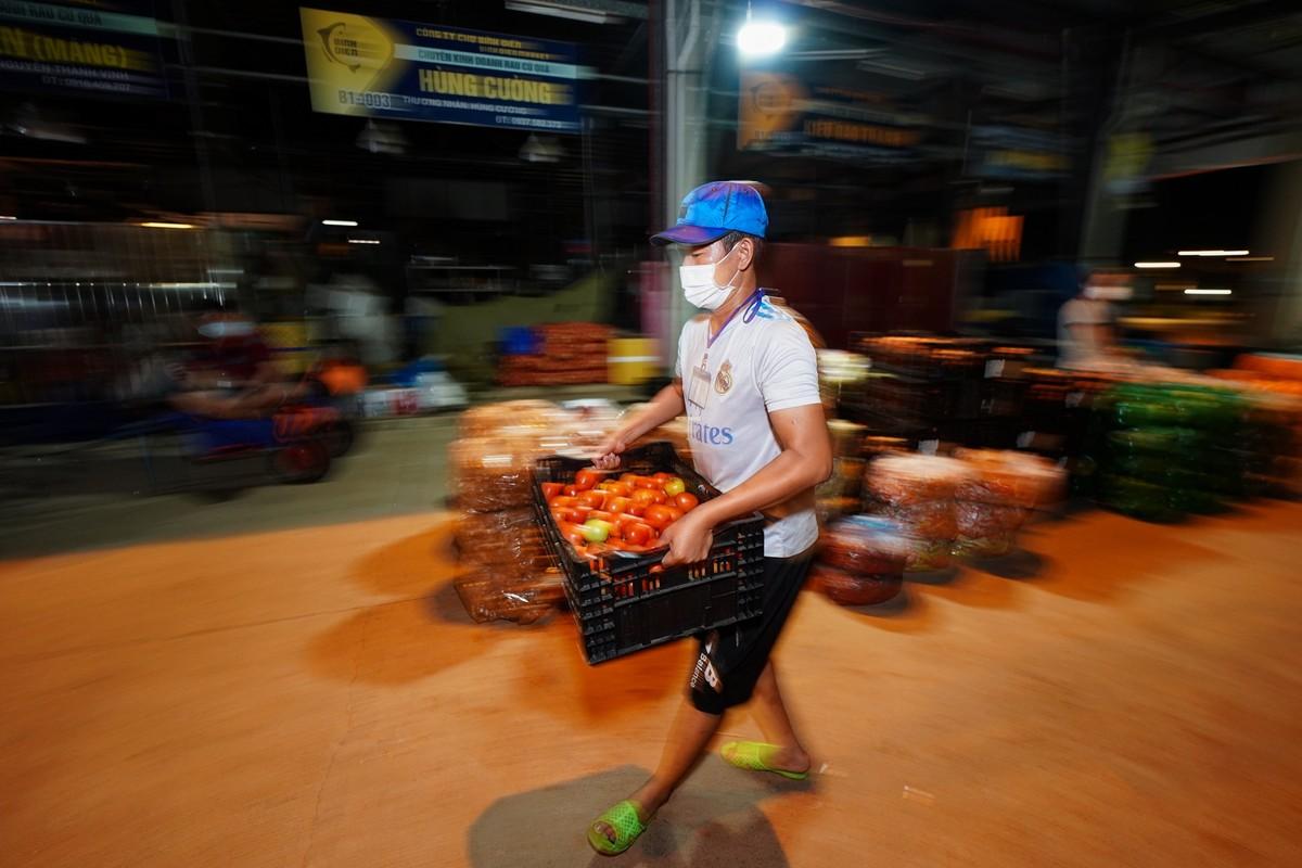 Bi thu TP HCM thi sat cho dau moi Binh Dien-Hinh-11