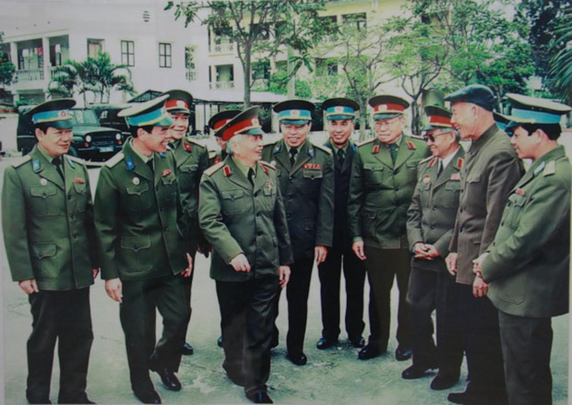 Anh xuc dong ve doi thuong cua Dai tuong Vo Nguyen Giap-Hinh-13