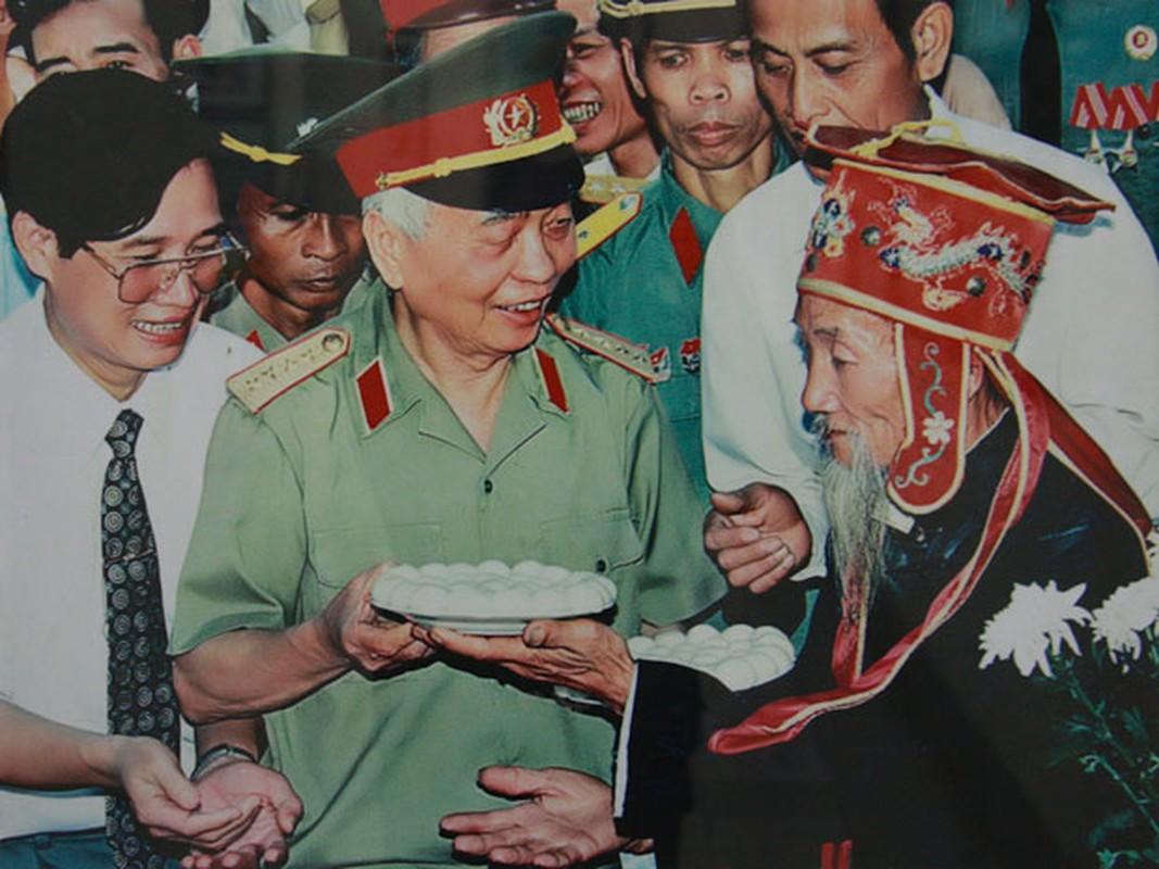 Anh xuc dong ve doi thuong cua Dai tuong Vo Nguyen Giap-Hinh-2