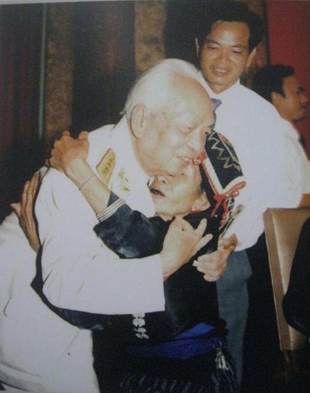 Anh xuc dong ve doi thuong cua Dai tuong Vo Nguyen Giap-Hinh-9