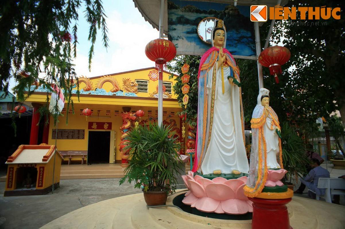 Chiem nguong ngoi chua co kien truc ky la noi tieng Nam Bo-Hinh-13