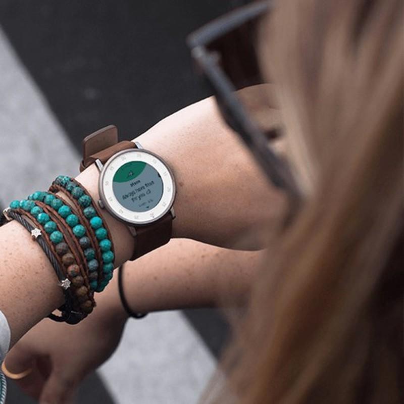 Loat smartwatch duyen dang danh cho phai dep-Hinh-4