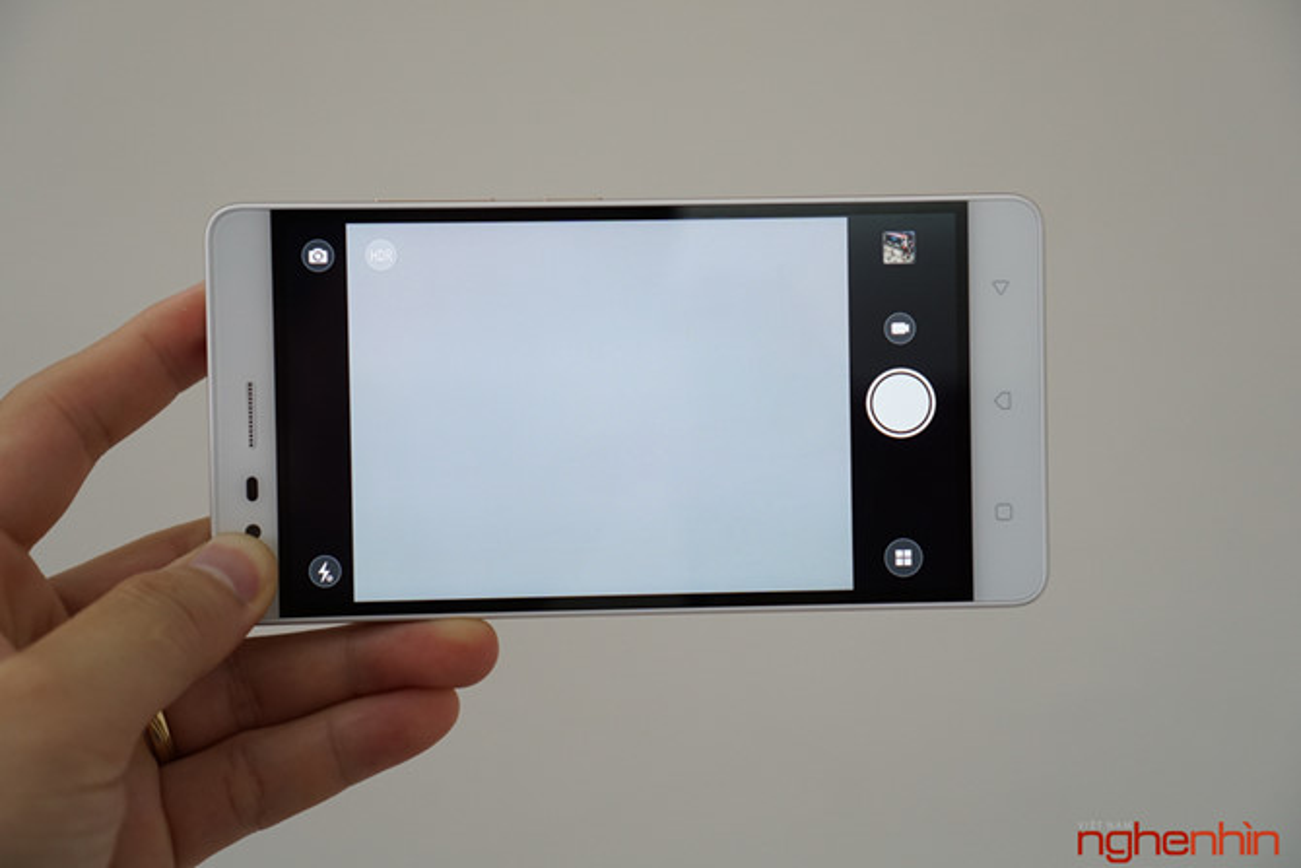 Tren tay dien thoai Lenovo K5 Note dung chip Helio P10-Hinh-13