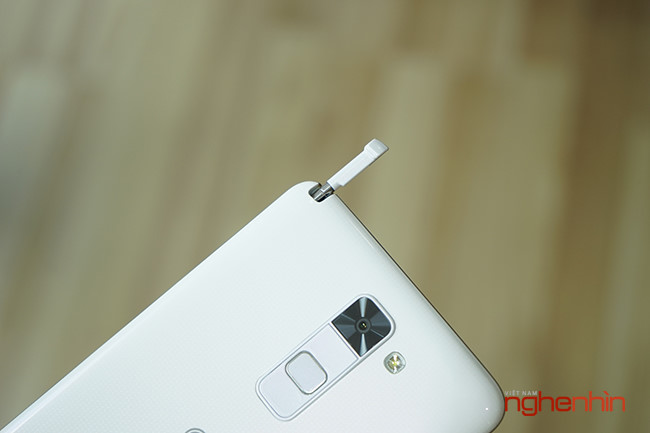 Tren tay dien thoai LG Stylus 2, phablet gia re co but cam ung-Hinh-7