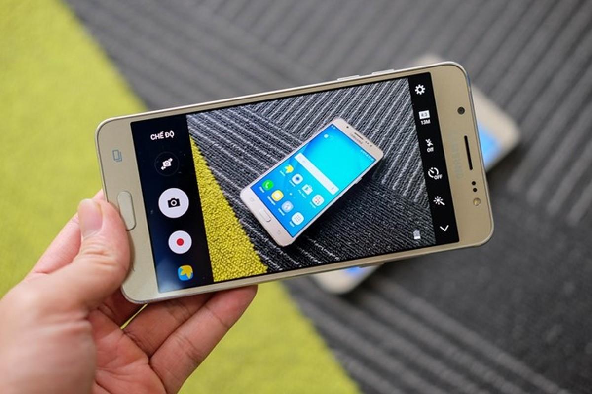 Mo hop dien thoai Samsung Galaxy J5 va J7 phien ban 2016-Hinh-13