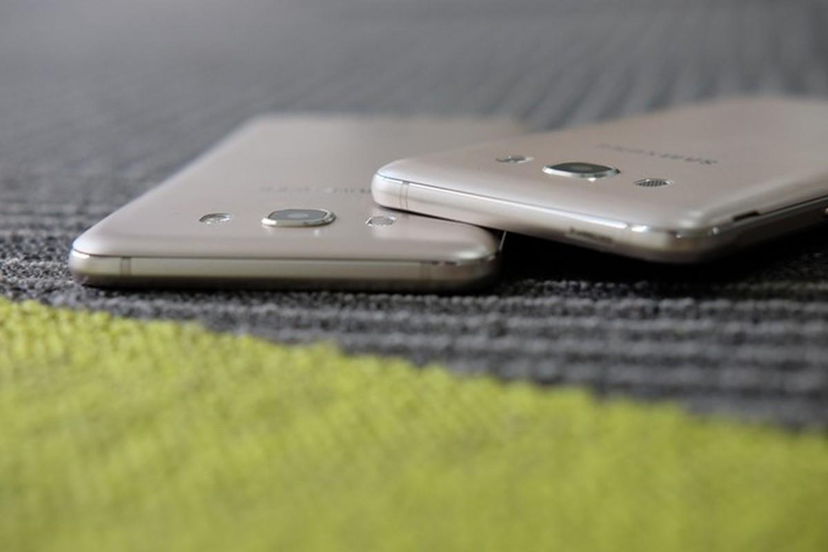 Mo hop dien thoai Samsung Galaxy J5 va J7 phien ban 2016-Hinh-8