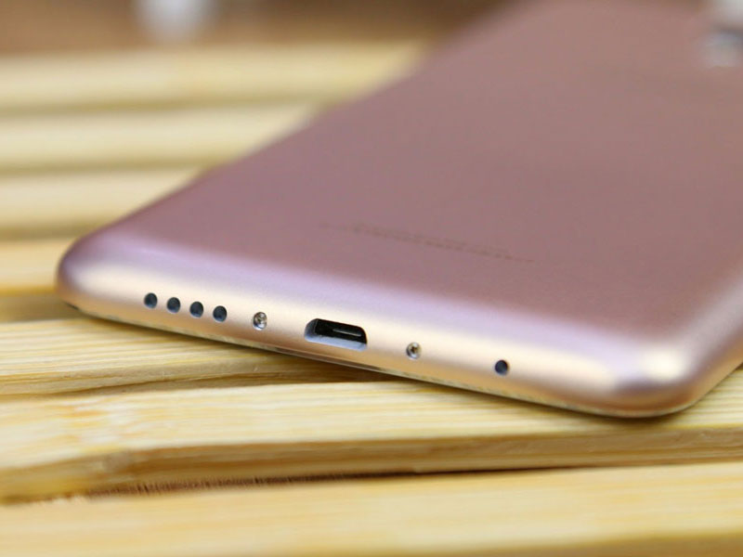 Ngam smartphone dep nhu iPhone 6 Plus, gia gan 4 trieu dong-Hinh-19
