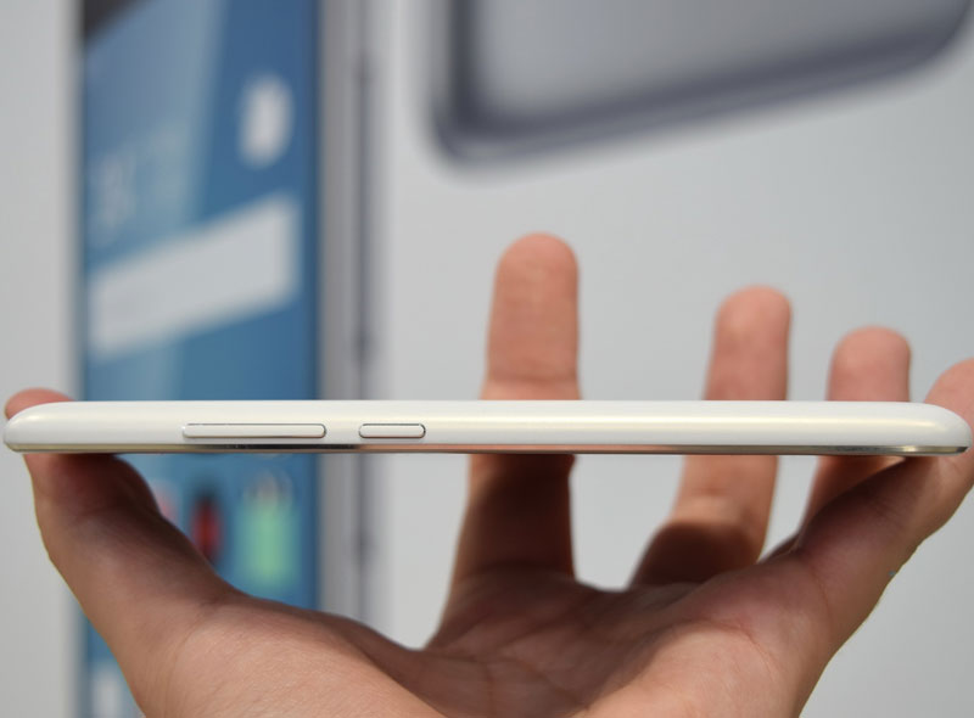 Ngam smartphone dep nhu iPhone 6 Plus, gia gan 4 trieu dong-Hinh-22