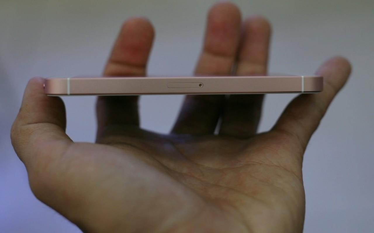 Mo hop dien thoai iPhone SE chinh hang tai Viet Nam-Hinh-10